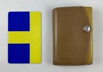 abrAsus小さい財布のサイズ